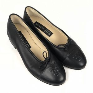 BLOCH Black Leather Embossed Flats Size 6